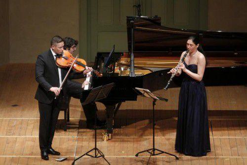 """Das Trio """"Kontraste"""" riss das Publikum im voll besetzten Saal mit."""
