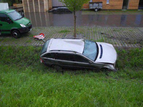 Der Lenker des verunfallten Fahrzeugs in Hard konnte nach seiner Flucht nun ausgeforscht werden.
