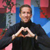 Die Freude ist Marc Janko ins Gesicht geschrieben: Mit Basel holte der Torjäger den Titel in der Schweiz.