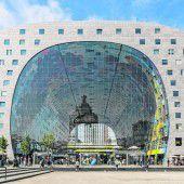 Gigantisch groß und bunt: die Markthalle