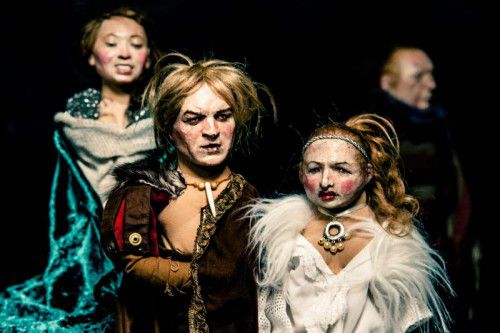 Die Inszenierung des Theaters Triebwerk ist eine gekonnte Balance zwischen Komik und Ernst.