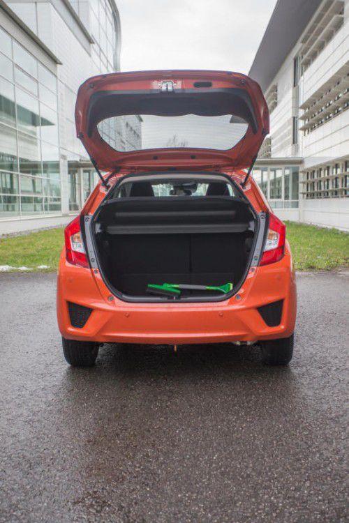 """Eindruck: Mehr Platz bietet kaum ein anderer Mitbewerber im Kleinwagensegment. Der Honda Jazz ist ein kleines Raumwunder mit einem praktischen Sitzkonzept. Der Look und die Fahreigenschaften gehören in die Kategorie """"brav""""."""