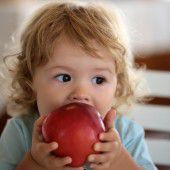 A-ma Öpfel schnägera.