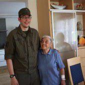 Grundwehrdiener rettet Frau aus brennendem Haus