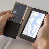 Biegbares Smartphone-Cover aus elektronischem Papier