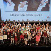 130 neue Meister im Handwerk