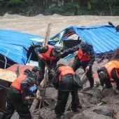 Verheerende Erdrutsche fordern Dutzende Tote