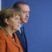 Deutsche Kanzlerin Merkel in der Löwengrube