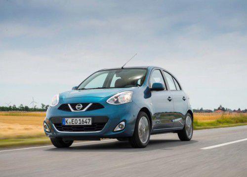 Nissan Micra: Der vor drei Jahren modifizierte Kühlergrill unterstreicht die Marken-Zugehörigkeit des kleinen Japaners.