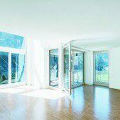 Noch eine Variante, Luftraum und Loggia zu kombinieren. Jede Wohnung im Haus ist zu zwei Himmelsrichtungen orientiert – und jede anders.