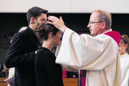 Rund um Pfingsten werden heuer österreichweit knapp 50.000 Jugendliche gefirmt. In Tosters erbat Bischof Benno Elbs den Heiligen Geist für junge Menschen.