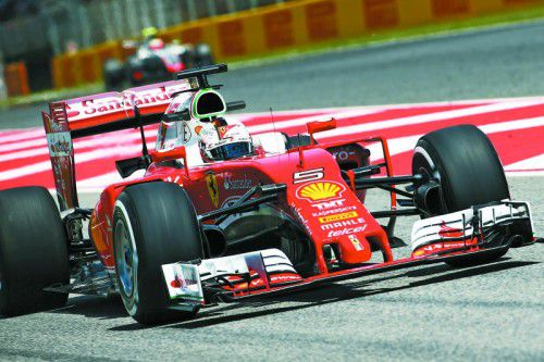 Sebastian Vettel und Ferrari fehlen weiterhin einige Zehntelsekunden auf Mercedes.