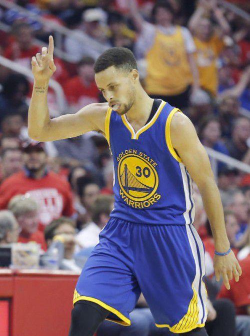 Stephen Curry wurde wie 2015 zum MVP der NBA gewählt.