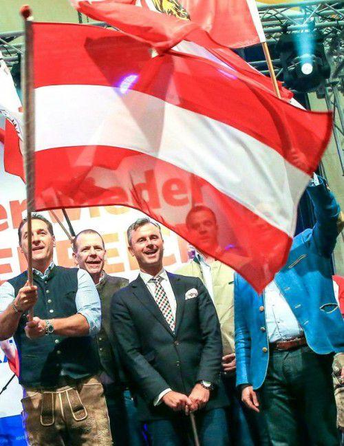 Strache und Hofer bei der FPÖ-Kundgebung.