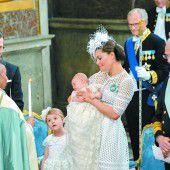 Stolz wie Oscar: Große Taufe für kleinen Prinzen