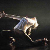tanz ist: Energiegeladen und dynamisch