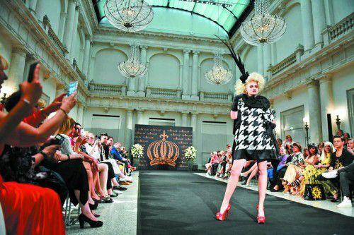 Auch Designer Harald Glööckler präsentiert seine Kollektion auf der Berliner Fashion Week.