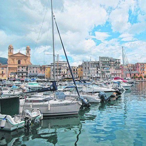 Bastia ist nicht sehr touristisch und gerade deshalb attraktiv.