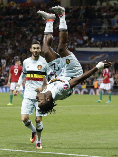Belgien steht Kopf: Michy Batshuayi hat sein Team mit dem Treffer zum 3:0 zurück in die Favoritenrolle um den Turniersieg geschossen.