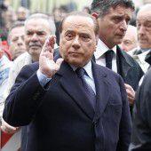 Berlusconi mit Herzproblemen im Krankenhaus