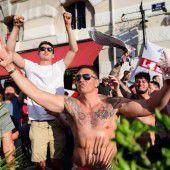 Mit Tränengas gegen britische Fußballfans