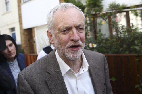 Corbyn will trotz Misstrauensvotum im Amt bleiben.