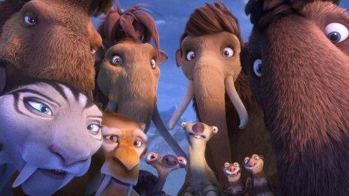 Das bewährte Team um Mammut Manni, Faultier Sid (Otto Waalkes) und Säbelzahntiger müssen einen Weg finden, um den drohenden Weltuntergang abzuwehren.