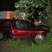 Alko-Unfall mit drei Verletzten