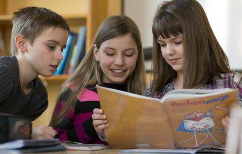 Lernen in den Ferien: Am besten lernen Kinder mit anderen Kindern.  dpa