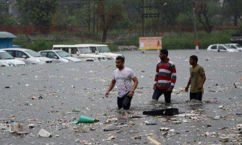 Die einsetzende Regenzeit hat in vielen Distrikten der vier Bundesstaaten für starke Gewitter und heftige Niederschläge gesorgt.