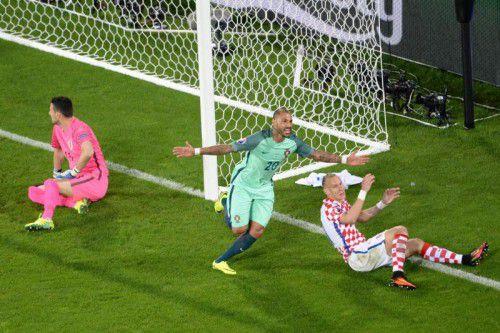 Die entscheidende Szene im Spiel Kroatien gegen Portugal: Ricardo Quaresma staubte nach einem Ronaldo-Schuss per Kopf ab.