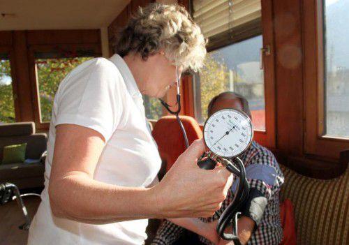 Die ambulanten Dienste werden mit dem Wegfall des Pflegeregresses zusätzlich gefordert, denn die Heime sind voll. Foto: MEZ
