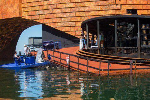 """Die Proben für die Wiederaufnahme von """"Turandot"""" auf dem See haben begonnen."""