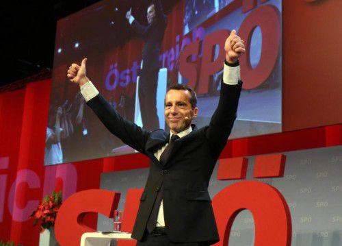 Die Sozialdemokraten wählten Kern beim Parteitag mit knapp 97 Prozent zu ihrem Vorsitzenden.