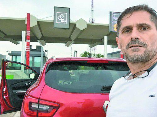 Eine letzte Mautstelle in Frankreich, danach geht es für mich in meinem Renault Kadjar nach Hause.