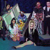 Morbide Zirkusgestalten