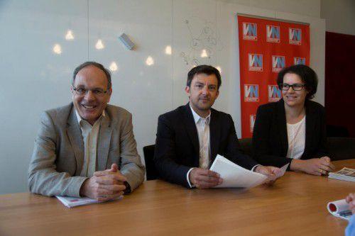 Gerüstet für die Ausbildungspflicht: Klaus Mathis (BIFO) Sozialministeriumservice-GF Markus Staudinger und Birgit Fiel, Koordinatorin.