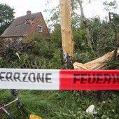 Hamburg: Tornado zog Spur der Verwüstung