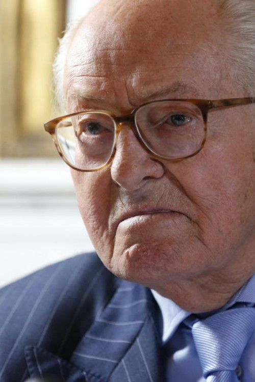 Le Pen soll Mitarbeiter rechtswidrig beschäftigt haben.
