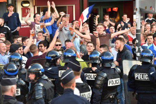 Lille beherbergt Tausende Fußballfans: Rund um das EM-Spiel Russland gegen Slowakei wurden 16 Menschen festgenommen.