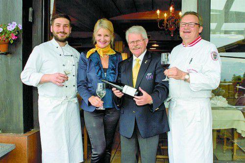 Luden zum Kulinarium: Dominik Hehle (l.), Ingrid Rieder, Willi Hirsch und Karlheinz Hehle.
