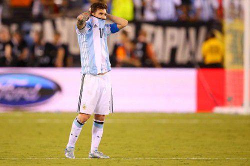 Nach der Enttäuschung über die Finalniederlage der Copa America gegen Chile entschied Lionel Messi, nicht mehr für Argentinien zu spielen.
