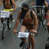 Mexikaner radeln nackt durch die Hauptstadt