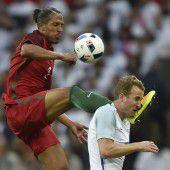 Kung-Fu-Attacke von Bruno Alves