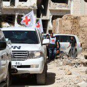 Nahrung und Fassbomben für belagerten Ort