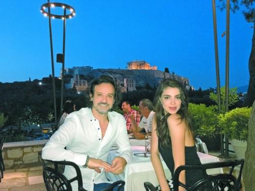 Amina gibt Einblicke in ihr Privatleben. Mit Geschäftsmann Mehmet ist sie seit einem Jahr glücklich liiert.