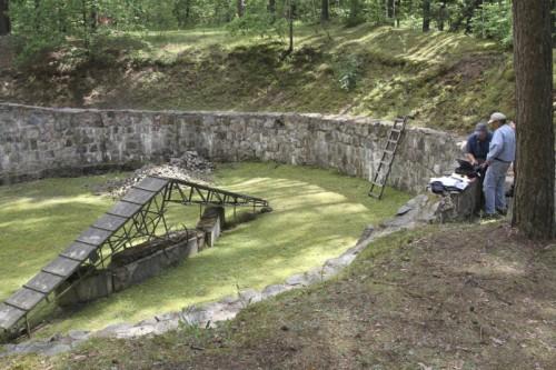 Archäologen fanden den Tunnel auf dem Gelände der ehemaligen Vernichtungsstätte Paneriai.