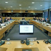 IOC vertagt Russland-Urteil, verhängt aber Sanktionen