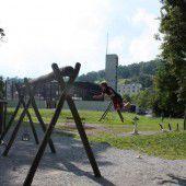 Marode Schattenspender am Spielplatz Reichenfeld