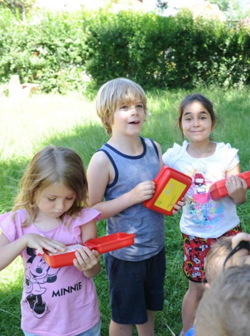 Die Kinder freuten sich über das Startpaket.